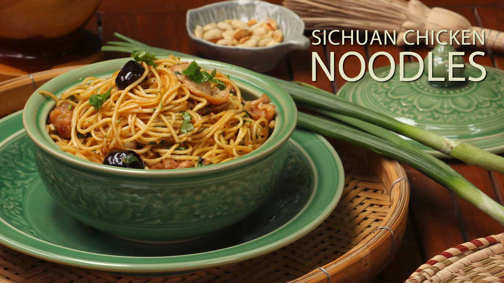 Sichuan Chicken Noodles Recipe | Easy Chicken Chowmein | Szechuan Chicken Garlic Noodles